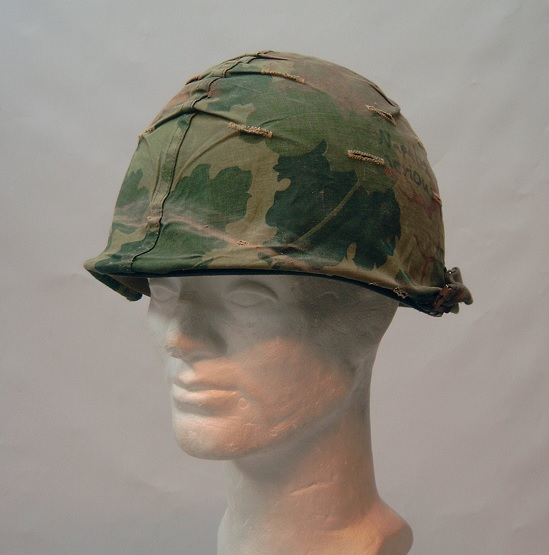 M1 kypärä Mitchell-päällisellä