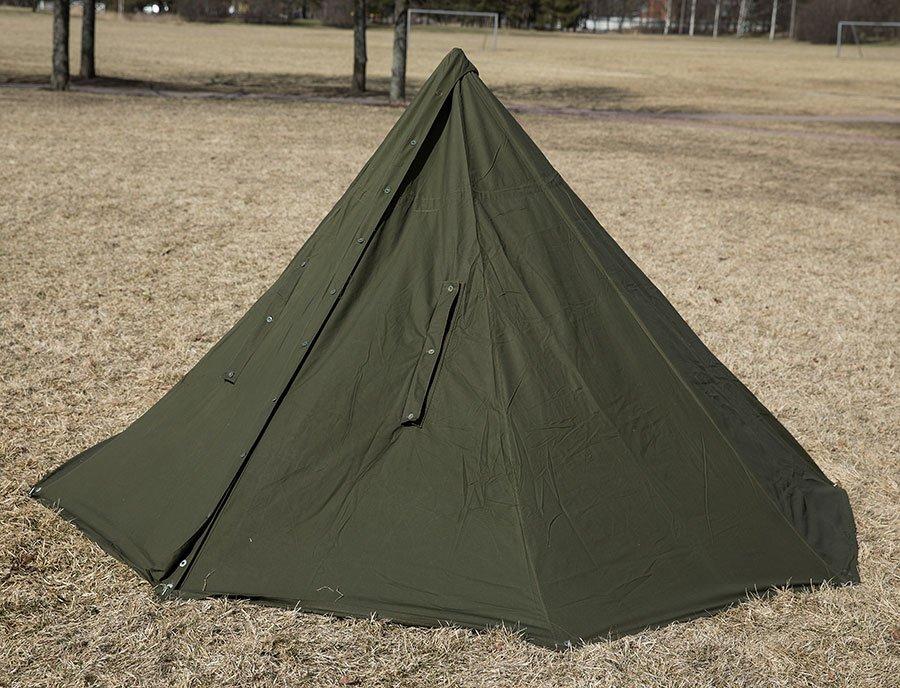 Puolalainen taistelijaparin teltta