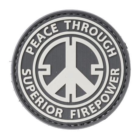 Peace Through Superior Firepower PVC-moraalimerkki