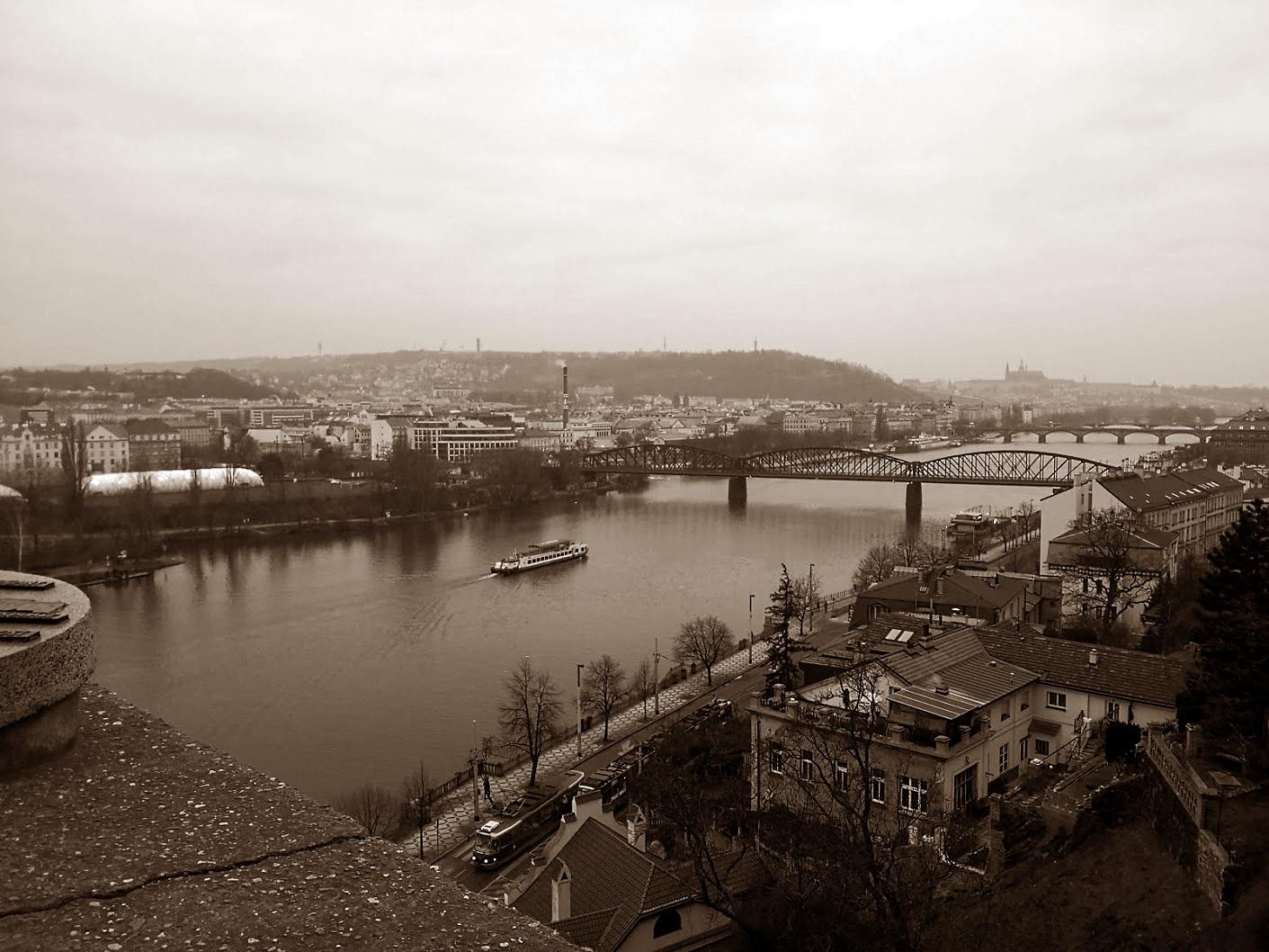 Kolme yötä talvisessa Prahassa kevytpakkauksen kanssa