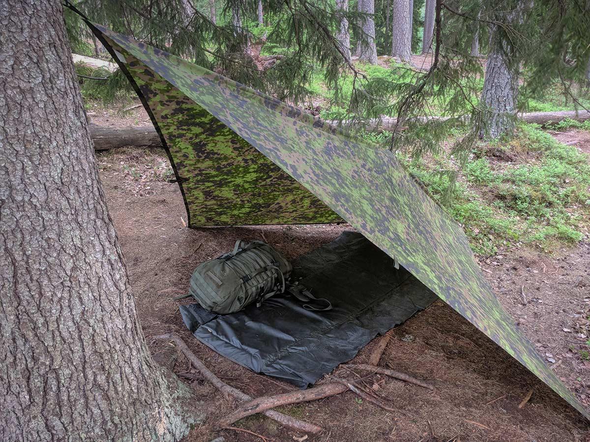 Lean-to tarp