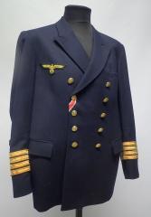 Suomalainen kansitakki Kriegsmarine-merkeillä