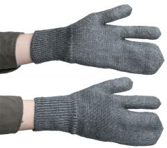 Swiss wool mittens with trigger finger, surplus