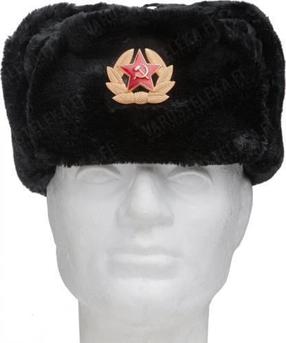 Venäläinen karvahattu neukkukokardilla, musta