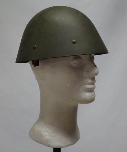 Tsekkiläinen M32 teräskypärä
